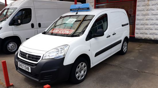 used vehicle 2017 '67' Peugeot Partner Professional L1
