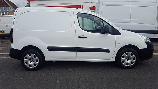 used vehicle 2015 '65' Peugeot Partner 850 L1 Professional 1.6 HDI 90 BHP